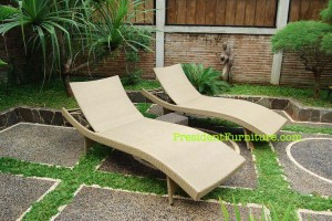 S Lounger